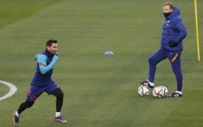 Lionel Messi entrenó sin aparentes problemas con el Barcelona. Foto: EFE