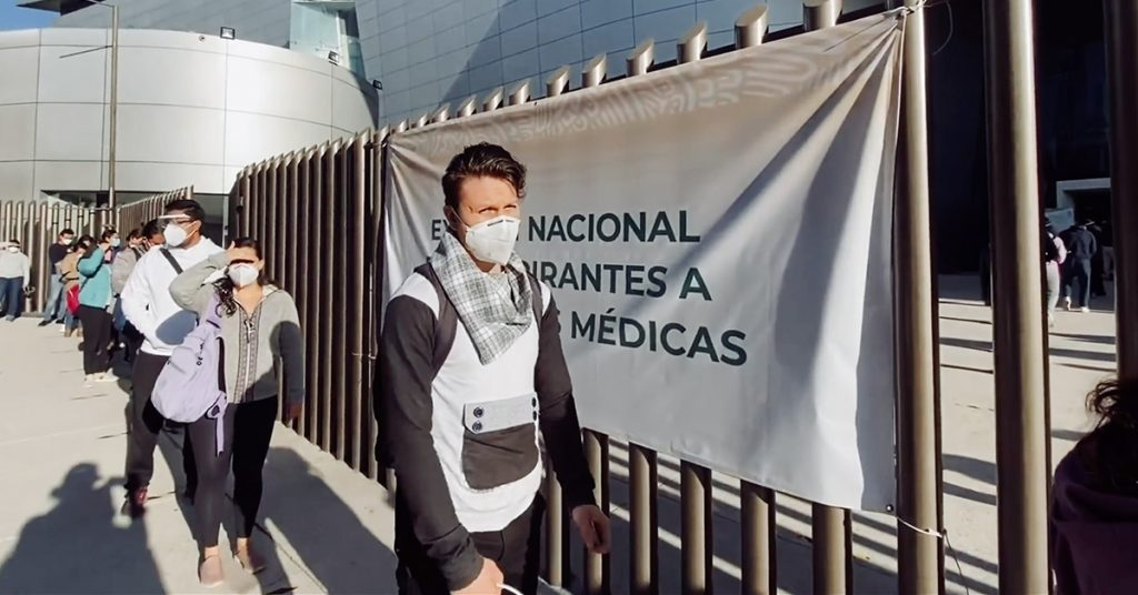 Prometieron becas para que doctores estudien en el extranjero… pero sólo dan para Cuba