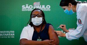 Brasil aprueba las vacunas de Sinovac y AstraZeneca contra Covid