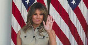 """Melania Trump lanza mensaje de despedida; afirma que la violencia """"nunca es la respuesta"""""""