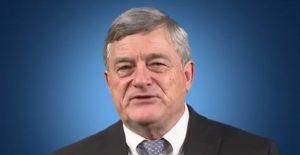 Director de la Oficina del Censo renunciará en medio de críticas por recabar datos sobre ciudadanía