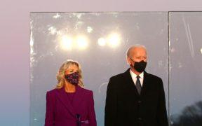 """""""Para sanar debemos recordar"""", dice Biden en homenaje a los 400 mil muertos por Covid-19 en EU"""