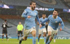 Bernardo Silva celebra el primer gol del Manchester City. Foto: Reuters