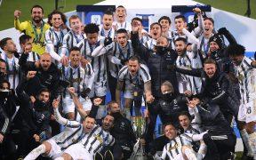 Juventus celebra la conquista de la Supercopa italiana ante el Napoli. Foto: Reuters