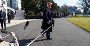 Trump contrata a Butch Bowers para que lo defienda en juicio político
