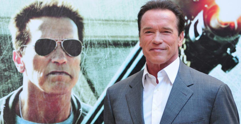 """""""Ven conmigo si quieres vivir"""": Schwarzenegger invita a fans a vacunarse contra la Covid-19"""