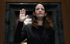 Kamala Harris toma juramento de Avril Haines como directora de Inteligencia Nacional