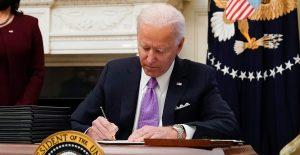 Biden firmará órdenes ejecutivas para acelerar la entrega de millones de cheques de ayuda por Covid