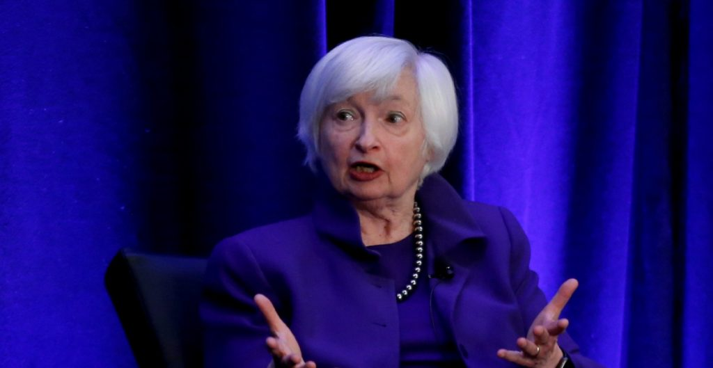 Yellen cree que EU recuperará niveles de empleo en 2022 tras la pandemia de la Covid-19