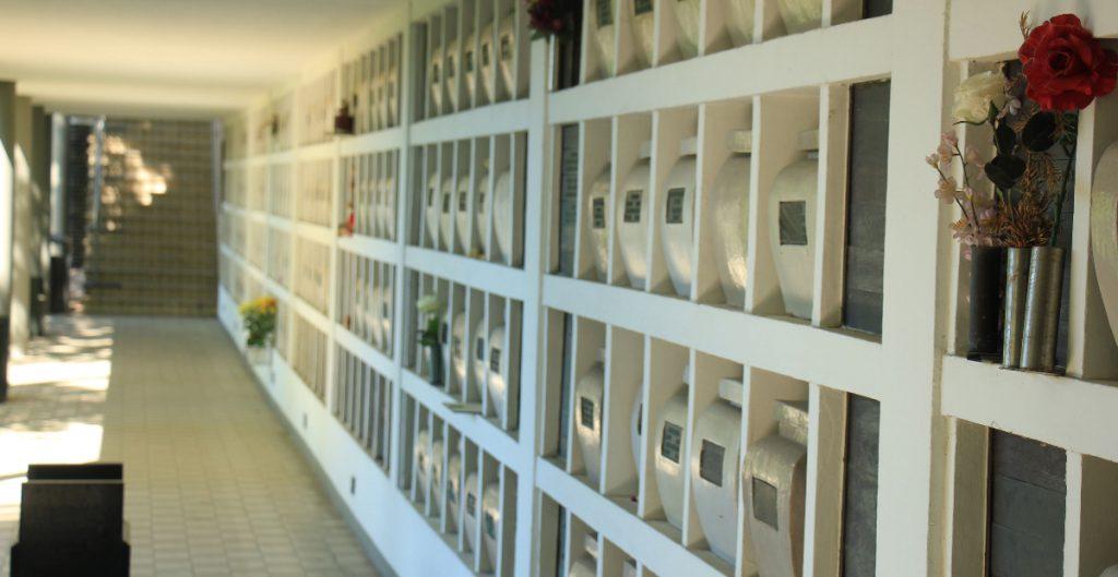 """Suspenden límite de cremaciones en Los Ángeles por """"atasco"""" de cuerpos"""