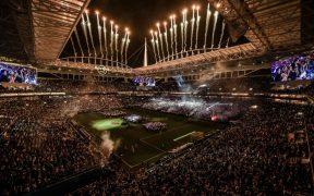 El Hard Rock Stadium de Miami albergará a 15 mil aficionados para la pelea de Canelo Álvarez. Foto: @EddieHearn