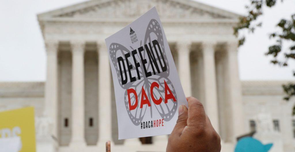 Nueve estados republicanos instan a juez a fallar contra el DACA