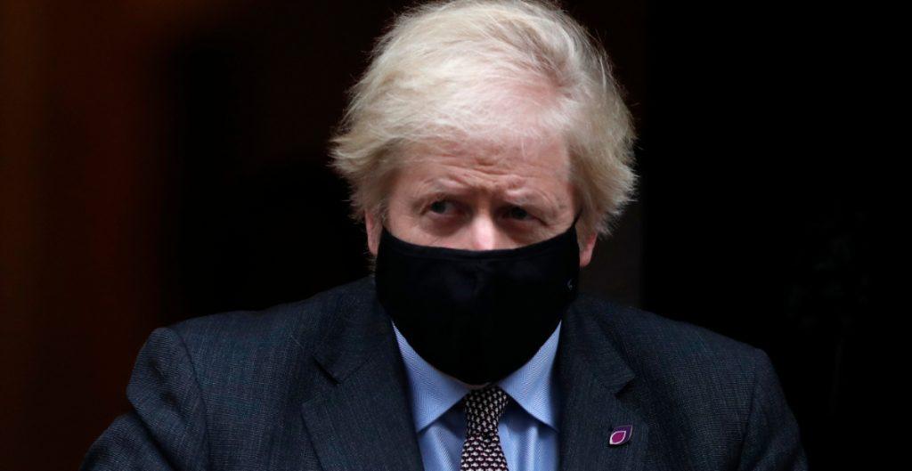 Boris Johnson prevé regresar a la normalidad en Inglaterra en junio