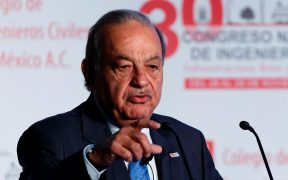 Carlos Slim sale del hospital; se recupera de la Covid-19 en casa