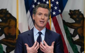 Investigan amenazas de muerte contra gobernador de California