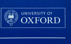 Universidad de Oxford no informó a voluntarios de la vacuna Covid sobre equivocación en dosis: Reuters