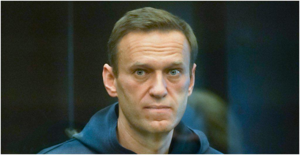 Diputados, intelectuales, artistas e hija de Navalny exigen a Rusia brindarle asistencia médica