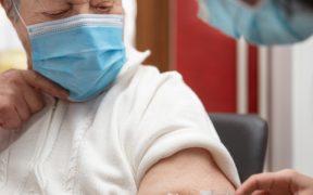 Arranca mañana vacunación contra Covid-19 para adultos mayores