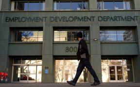 Solicitudes de ayuda por desempleo en EU caen a 779 mil esta semana