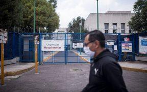 Fiscalía de CDMX abre investigación por muerte de hombre frente a hospital del IMSS
