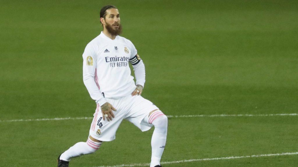 Sergio Ramos tardará de seis a ocho semanas en regresar. Foto: Reuters