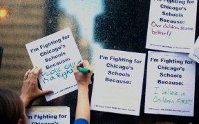 Alcaldesa de Chicago anuncia acuerdo para reabrir escuelas con protocolos de seguridad por Covid-19