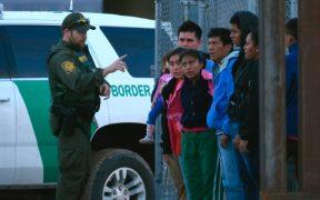 Juez extiende el bloqueo a la orden de Biden de frenar las deportaciones