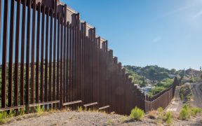 frontera-mexico-estadod-unidos-muro-biden-shutterstock