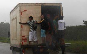AMLO y Kamala Harris abordan el tráfico de personas en la frontera durante llamada telefónica
