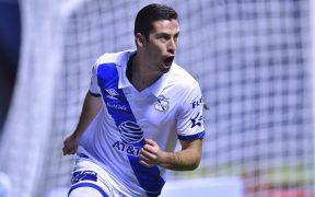 Ormeño mostró su instinto goleador con un triplete. Foto: Mexsport