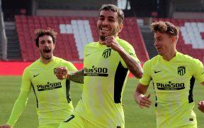 Ángel Correa celebra el gol del triunfo sobre el Granada. Foto: EFE