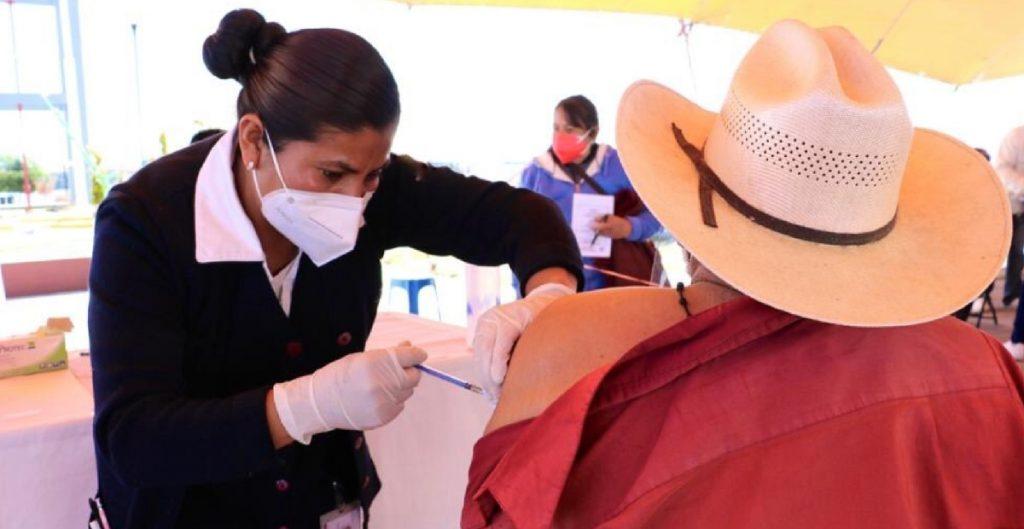 En Edomex se priorizó la vacuna contra Covid-19 en municipios con baja incidencia de contagios