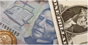 Dólar arriba de los 20 pesos a la espera de informe de la Fed; bolsas accionarias a la baja