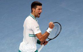 Novak Djokovic, eufórico tras avanzar a la final en Australia. Foto: EFE