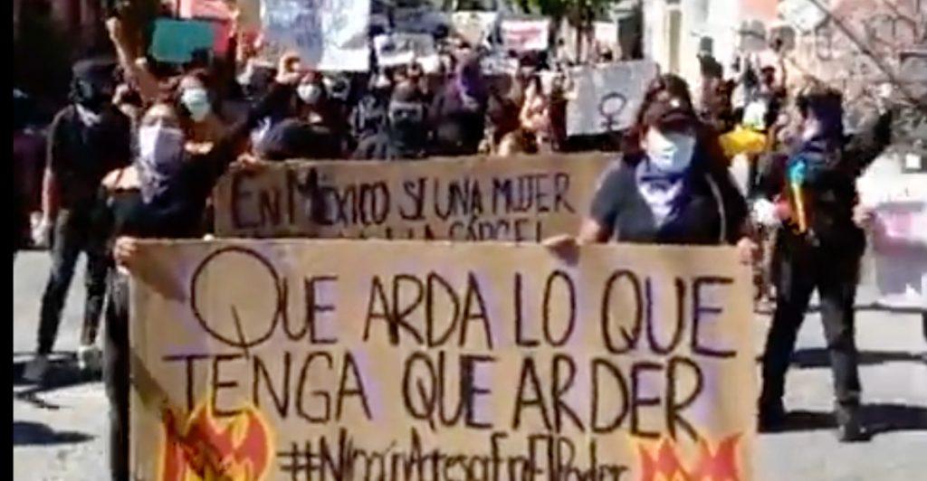 """""""Un violador no será gobernador"""", protestan feministas en Guerrero contra la candidatura de Salgado Macedonio"""