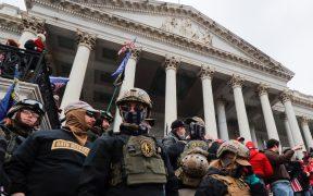 Acusan a nueve integrantes de los Oath Keepers involucrados en el asalto al Capitolio