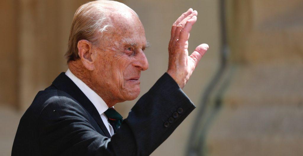 El príncipe carlos visitó a su padre, el duque de Edimburgo, en el hospital