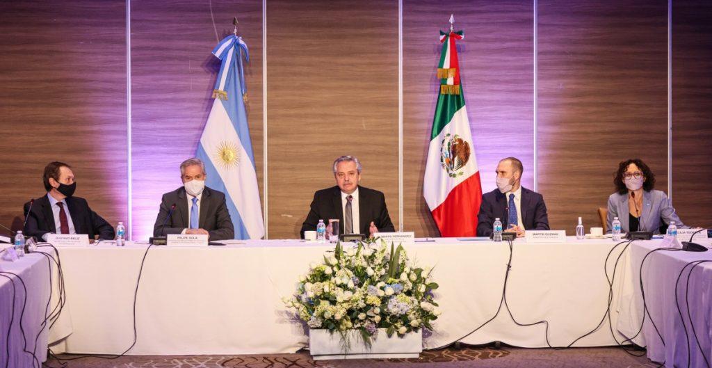 Presidente de Argentina se reúne con empresarios mexicanos; les ofrece que inviertan en su país