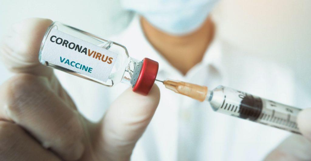 """A Vacunados VIP en Argentina """"les corresponde"""" recibir la segunda dosis contra Covid-19: La Nación"""