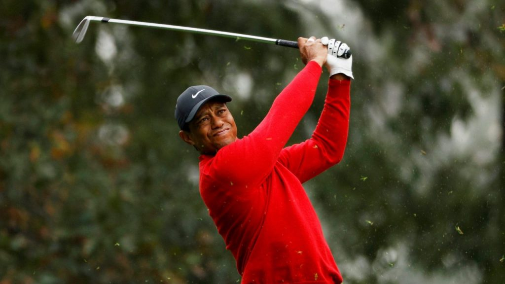 Tiger Woods sufrió un severo accidente de auto. Foto: Reuters