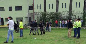 Mueren más de 50 reclusos en motines en tres cárceles de Ecuador