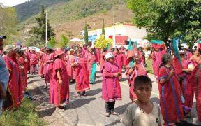 Caravana de pueblo triqui hace parada en Puebla antes de llegar a CDMX para pedir a audiencia con AMLO