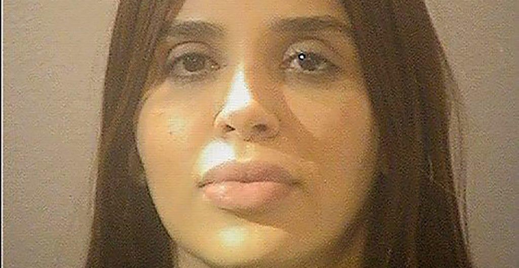 Defensa de Emma Coronel pide mejorar condiciones de su clienta; denuncian que pasa 22 horas al día en una celda