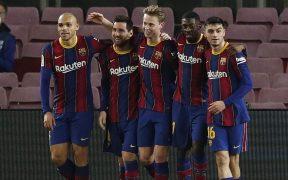 Messi celebra con sus compañeros el triunfo sobre Elche. Foto: Reuters