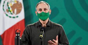 Hugo López-Gatell recibe oxigenación suoplementaria