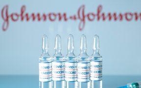 FDA aprueba el uso de emergencia de la vacuna de J&J contra Covid-19