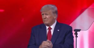Trump considera buscar la presidencia en 2024 y descarta crear un nuevo partido