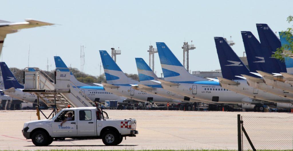 Crisis de aerolíneas se profundiza en enero por variantes de Covid