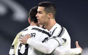 Cristiano Ronaldo celebra con Morata el 3-0 de Juventus. Foto: Reuters