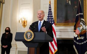 EU tendrá suficientes vacunas para todos los adultos para fines de mayo: Biden